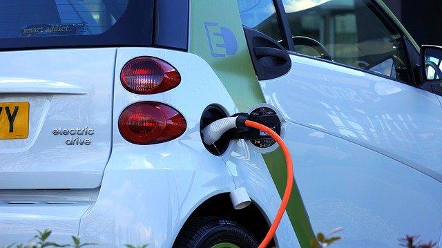 雨天电动汽车怎么充电?