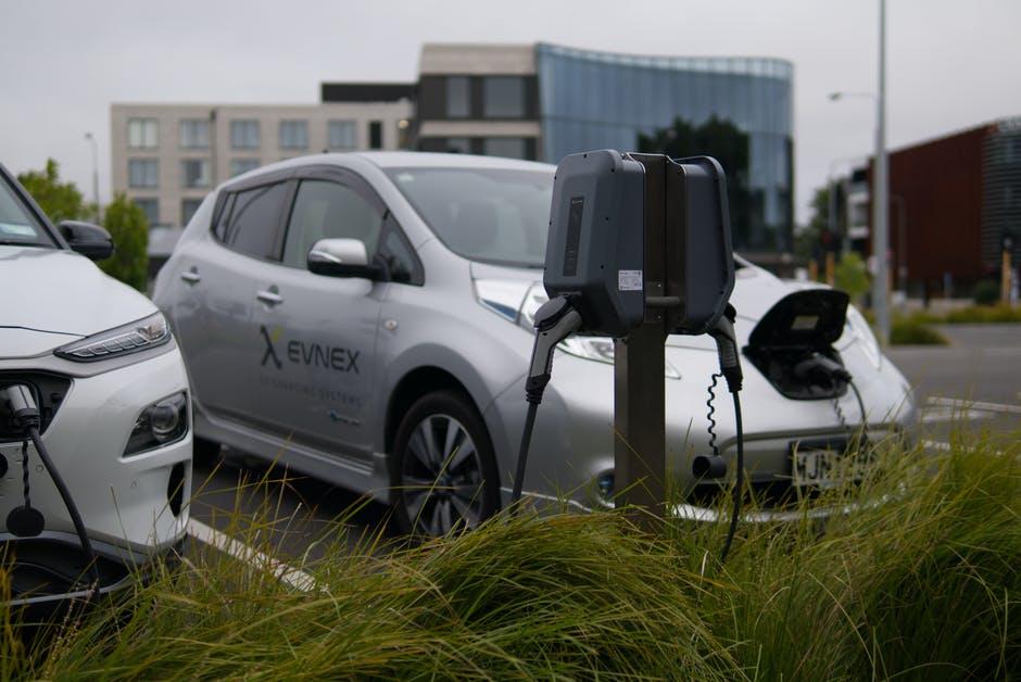 车辆充满电一般需要多久?