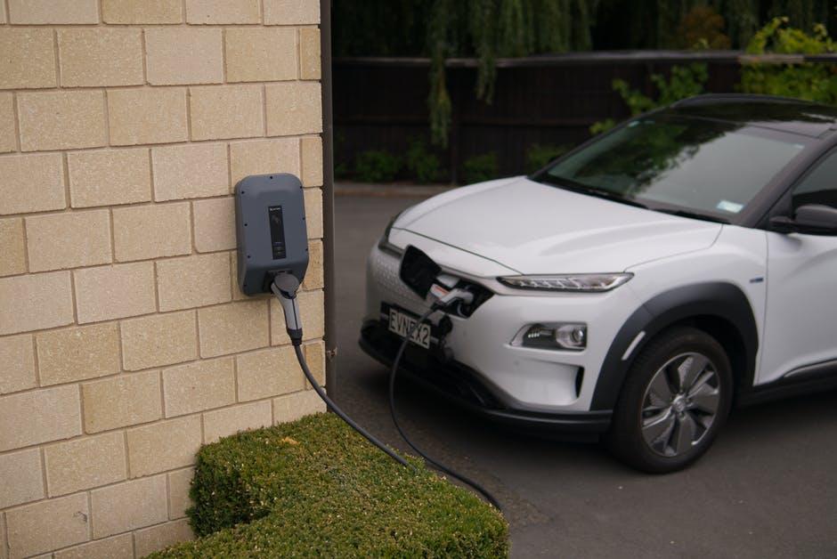 想接家里的电给爱车充电,需要注意哪些问题呢?