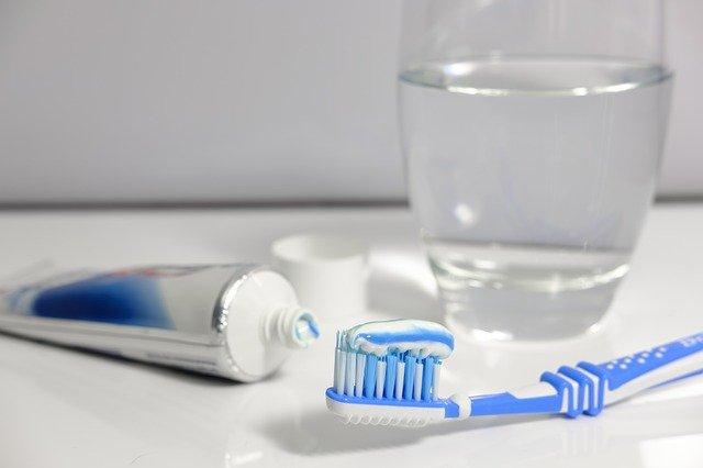 使用牙膏时要注意这些