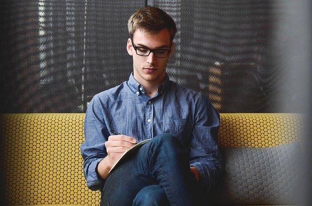 久坐对健康有哪些危害?坐多久算久坐?
