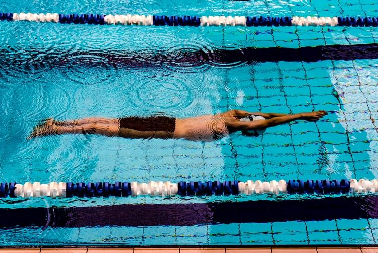 游泳时候会出汗吗?